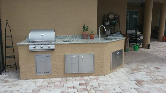 Custom Outdoor Kitchen - Wrap-around