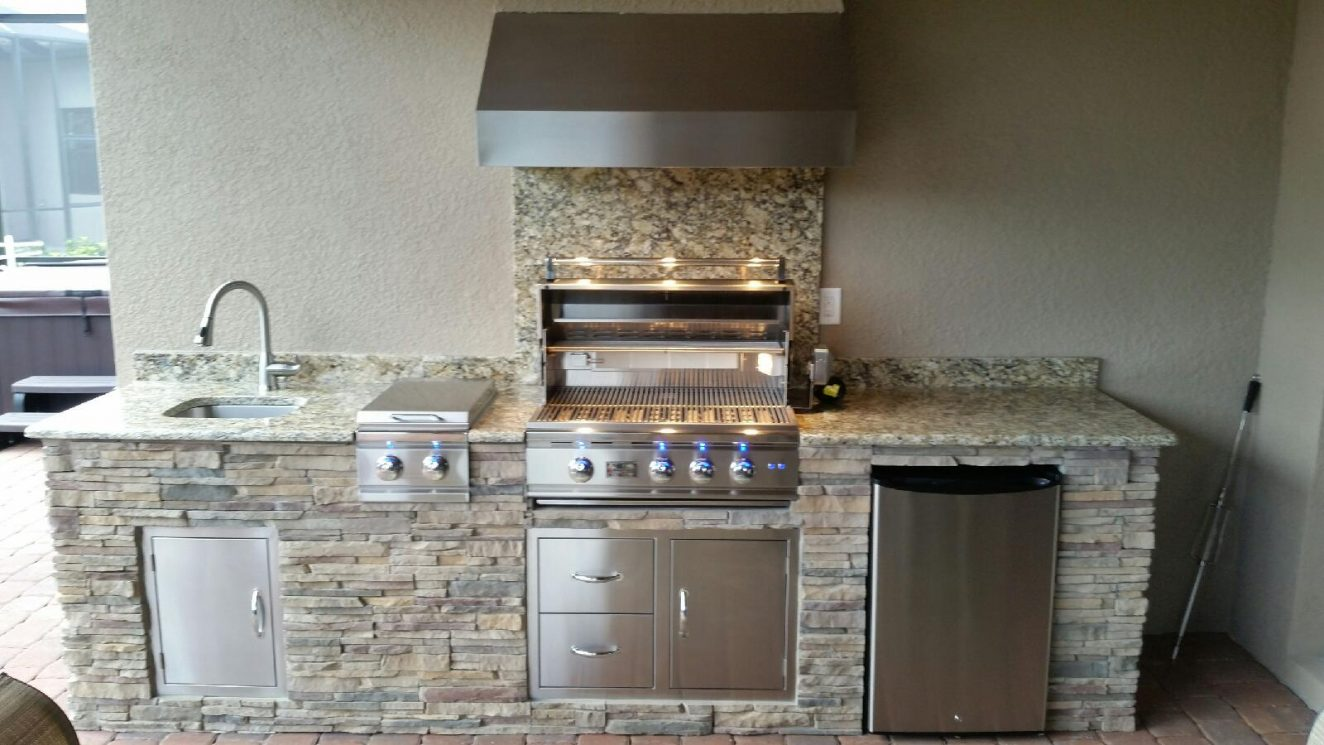 Vent hoods for outdoor grills the outdoor kitchen for Outdoor kitchen grill hood