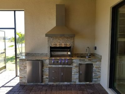 built in barbecue area in Lakewood Ranch
