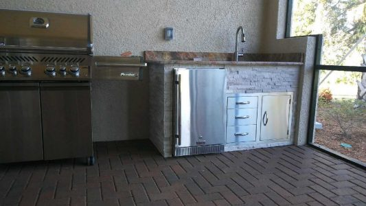 Venice Gold and Country Club outdoor fridge and sink