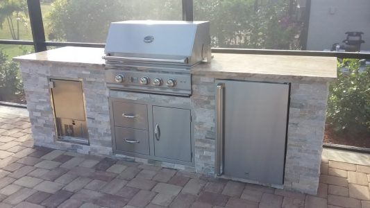 Outdoor Kitchen with Matching Fire Table