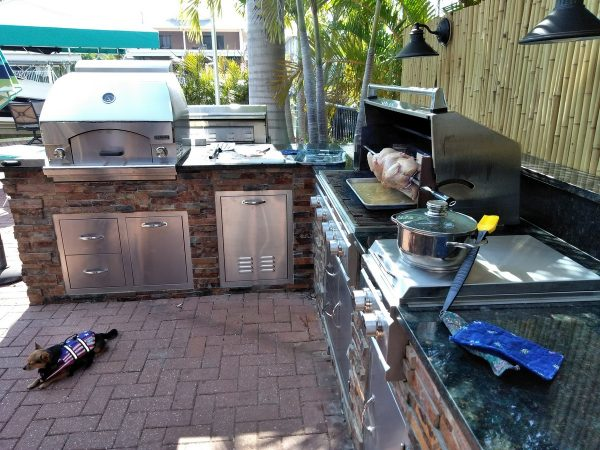 Fort Myers Beach Outdoor Entertaining Area - In use