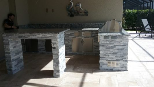 Fort Myers Outdoor Kitchen - Bar Island