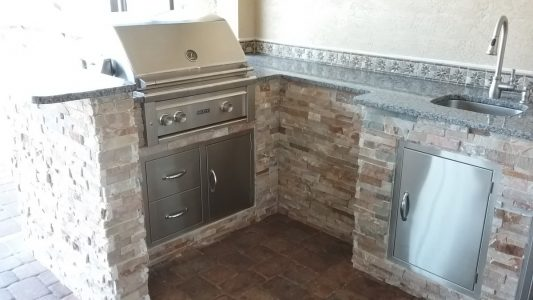Punta Gorda Outdoor Kitchen - Lynx Grill