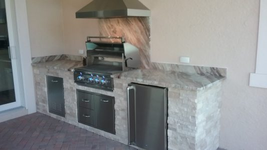 Venice Backyard Kitchen Counters and Backsplash