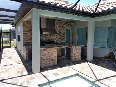 finished outdoor kitchen in Venice Florida